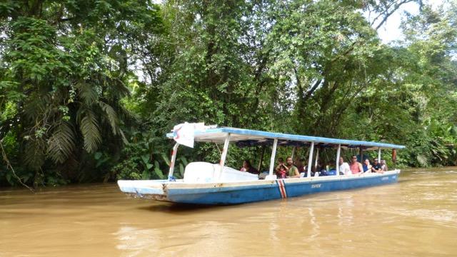 bateau lancha Tortuguero