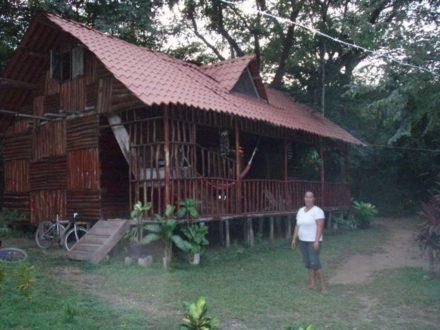Costa Rica maison chez l'habitant dans la forêt