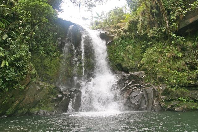 cascade costa rica