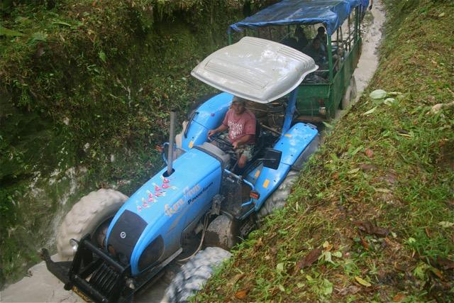 coata rica tracteur transport de personnes