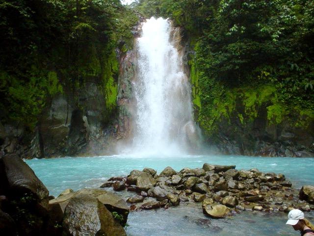 cascade rio celeste parc national tenorio