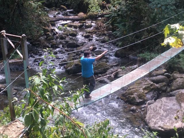 ponts suspendu traversée rio costa rica