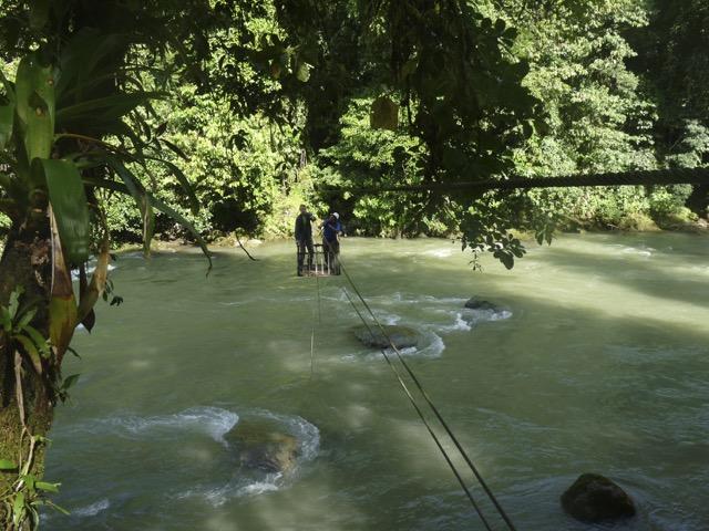 traversée nacelle rio savegre talamanca costa rica